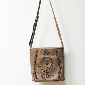 MONTANA WEST CROSSBODY WITH CONCEALED CARRY POCKET
